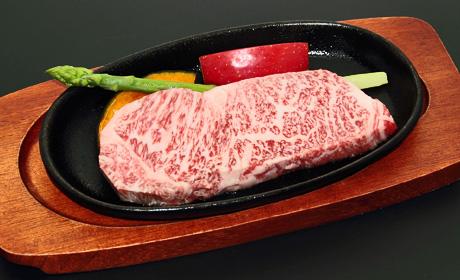 焼成前ロースステーキ